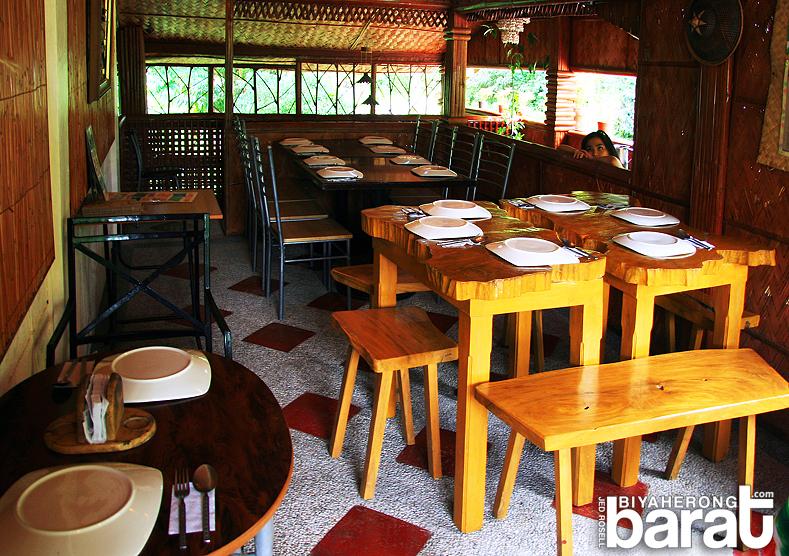 Chef Mau dining area