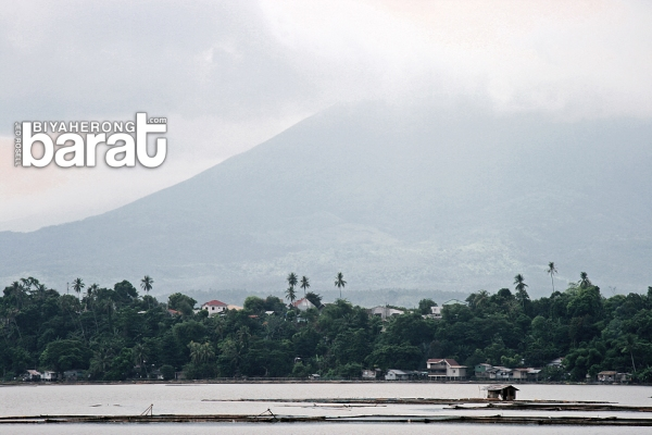 San Pablo City's Sampaloc Lake