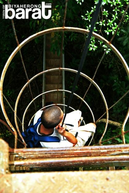 rappelling in Pueblo El Salvador