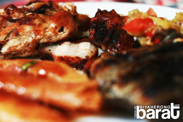 Grilled chicken, seafood, liempo in Kusina Salud Buffet