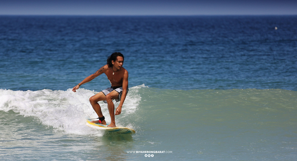 surfing liwliwa san felipe zambales beach waves