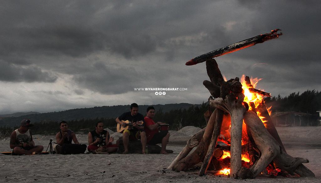 bonfire music indio i liwliwa san felipe zambales beach