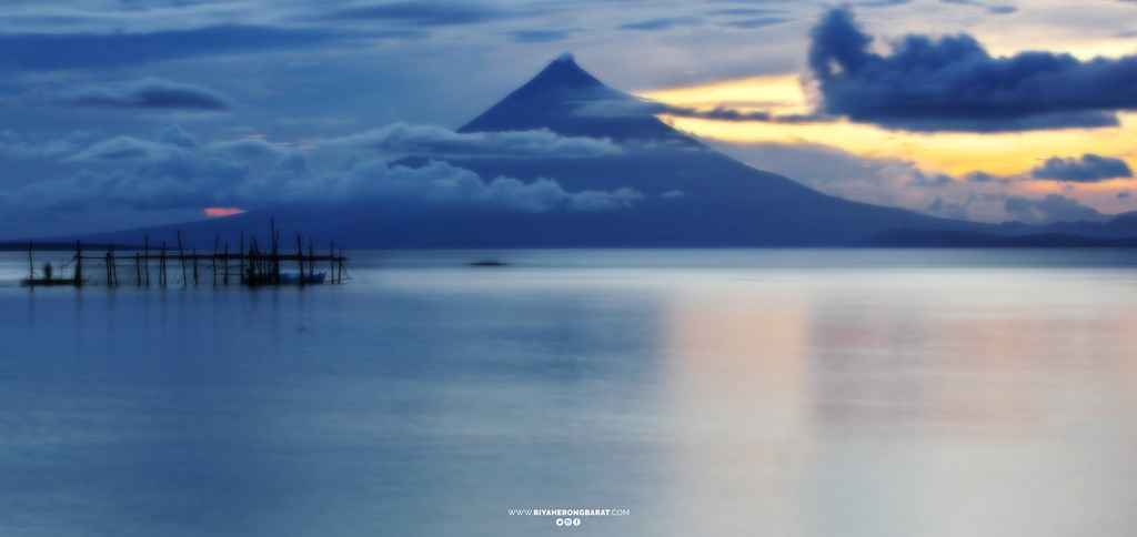 Bacon sorsogon view of mayon paguriran island and lagoon beach bicol