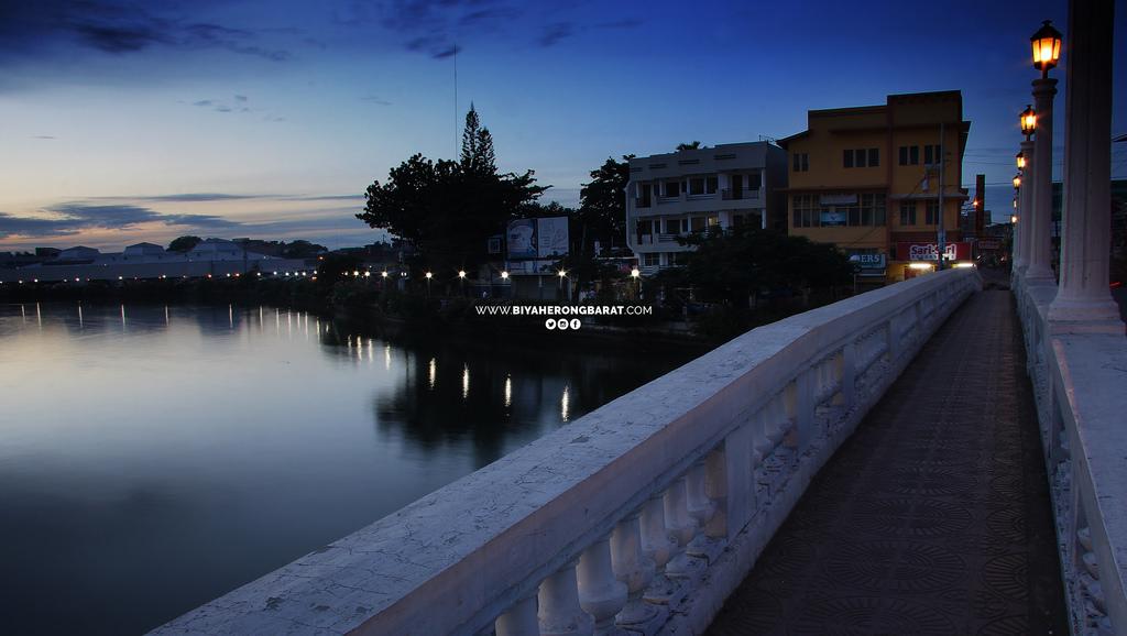 Roxas city bridge capiz philippines
