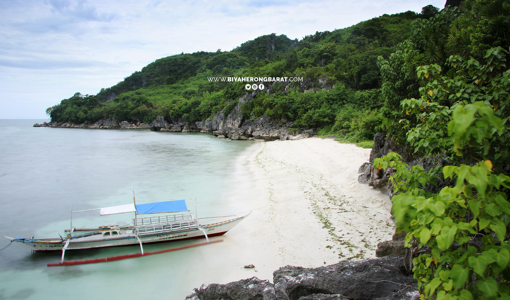 Tinagong Baybay white sand beach gigantes island carles iloilo philippines