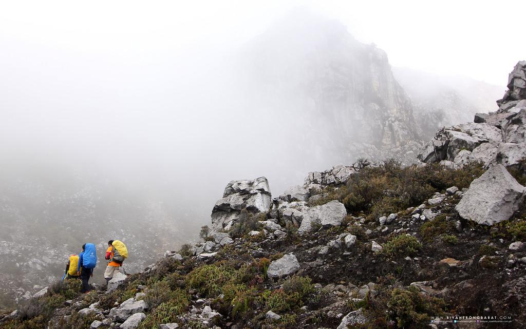 mount apo 90 degrees boulders digos kapatagan trail