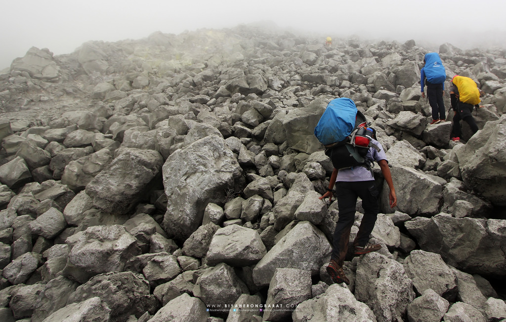 mount apo boulders davao digos philippines