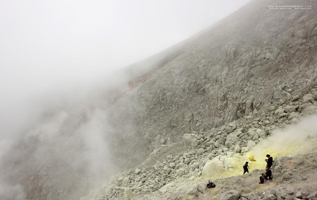 sulfur vents mount apo philippines digos davao kapatagan