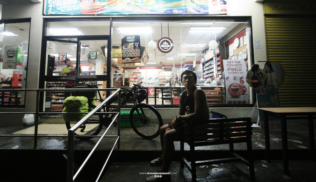 biking to zambales stopover bulacan 7-11 philippines cycling