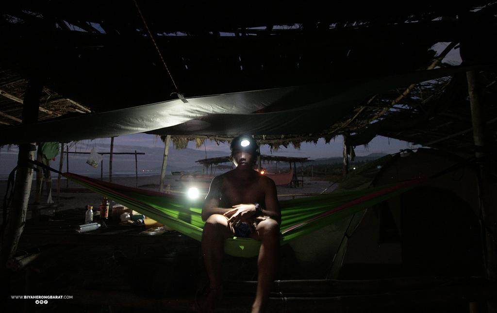 beach camping hammock liwliwa san felipe zambales surfing