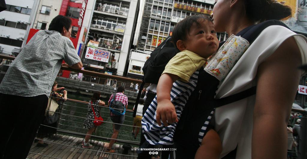 street photography dotonbori osaka japan cebu pacific travel